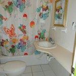 bathroom in room 6