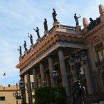 sin duda uno de los màs hermosos teatro de Mèxico. aunque cerrado al pùblico, su fachada es, sin