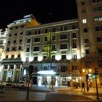 Hotel Regina at night
