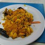 Paella...porção enorme, muito saborosa!!