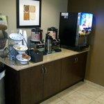 Breakfast beverage station
