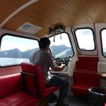 """La """"Dorita""""  una de la embarcaciones que transporta pasajeros al hotel"""