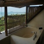 Outdoor Bathroom - Sea View Suite