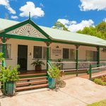 Front view of Eumundi Rise B & B