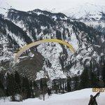 Para gliding at solang nullah