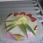 Our cake with fresh fruits