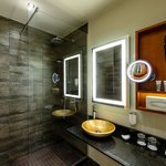 Badezimmer mit Rainshower Dusche
