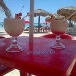 disfutara de sus piñas coladas en las mejores playas en el corazon de mahahahual oxtankah!!!