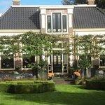 Onze B&B in het mooie rustige Ferwert. Dit dorp ligt heel centraal bij Ameland,Dokkum, Leeuwarde