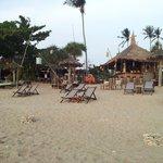 le bar vu de la plage