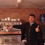 Ο Francesco, που φτιάχνει το πρόγευμα
