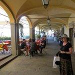 Greve town center, Arcade around Piazza