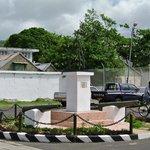 Monument centre de Port Mathurin