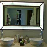 Da Bathroom Vanity