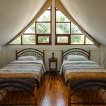House - Twin size beds