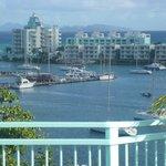 vue de la terrasse sur la marina et l'ile de ST Barth