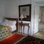 bedroom with en-suite dressing room
