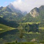 Blick auf den schönen Schwarzsee