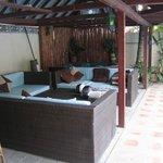 Bar/sitting area