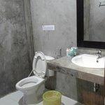 la salle de bain en béton vitrifié