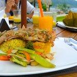 muy buena la presentación, calidad y sabor de las comidas típicas de la región.