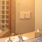 Bathroom - The Consevatory - Pet Friendly