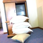 Giant Pillows without any give