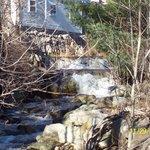 Jackson falls house on the edge