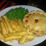 Pie of the day: chicken, brie and cranberry