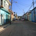 La rue Lino Perez où est située la casa