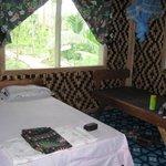 Lodge bed