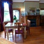 Lovely dining room in back