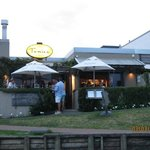 Fenice | Cafe & Bar
