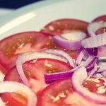 salada pomodoroe cipolla