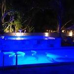 piscina anoite