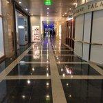 Рэдиссон САС Славянская. 1-ый этаж.