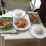 Essen vom Restaurant nebenan