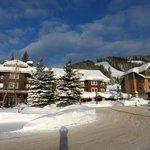 Kintla Lodge at mountainside