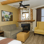 Newly-remodeled Room 110 - Mountain View King