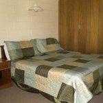 Annie Oakley Motel Oakley KSBed
