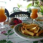 Maitai et frites de l'arbre à pain