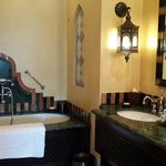 Bathroom - Al Qasr twin room