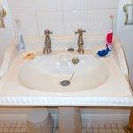 Victorian style washbasin