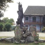 the statue in the front yard