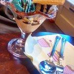 Bubble gum, amaretto and mince pie ice creams!...