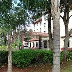 Vista de la entrada del hotel