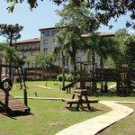 Juegos recreativos para niños en el parque