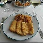 Filetes de pescada com arroz de berbigão
