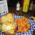 LOOKIN' GOOD SUPER SUPPER: BREAKFAST CHEESE BURGER $7.50; BACON, FRIED ONIONS, EGG, CHEESE.