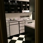 A FULL kitchen. (!)